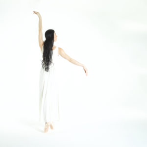 151202_White Dancer_Nona Gerber 33_800